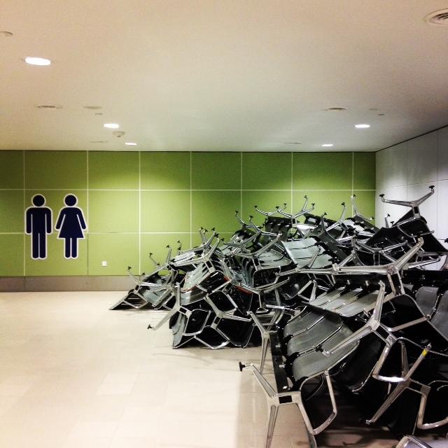 クアラルンプール新空港KLIA2のトイレ前