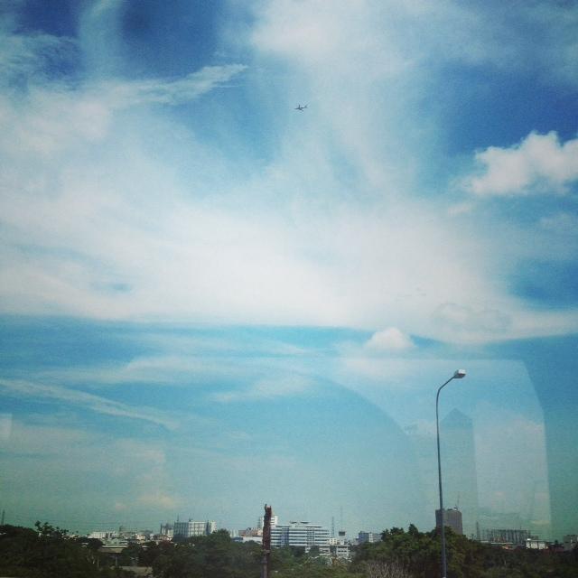 バンコクのバス窓から