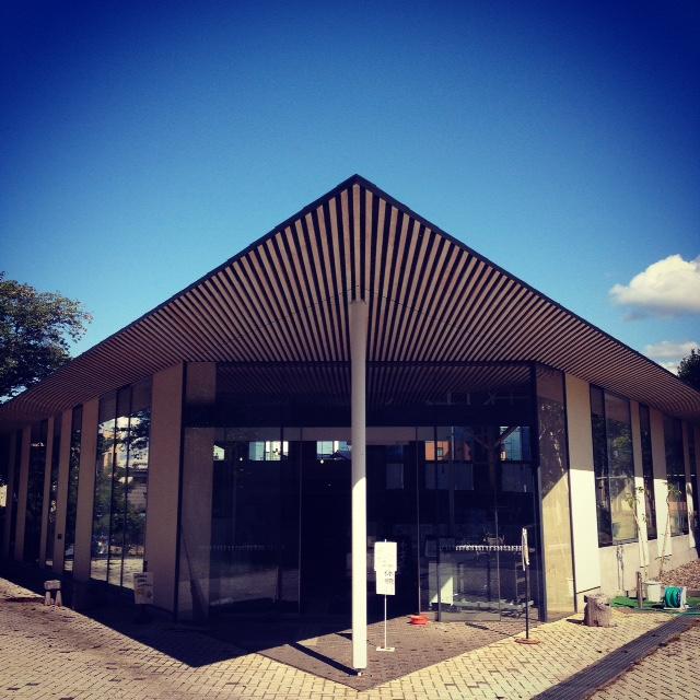 小布施町立図書館